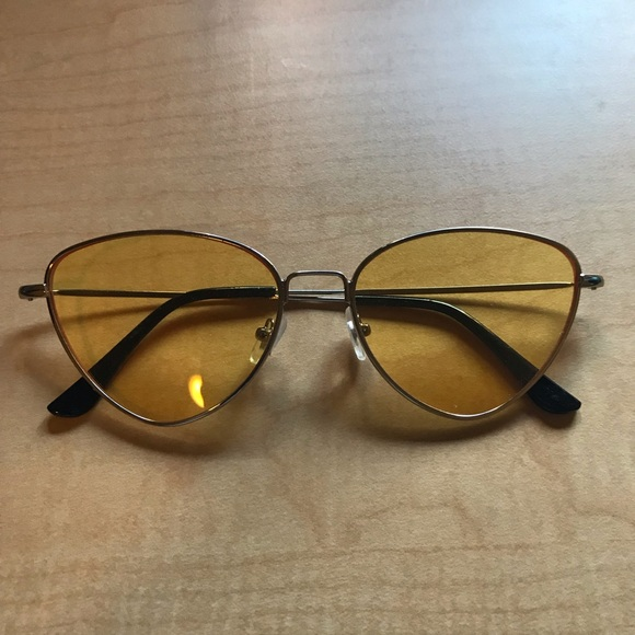 Accessories - Vintage yellow sunglasses
